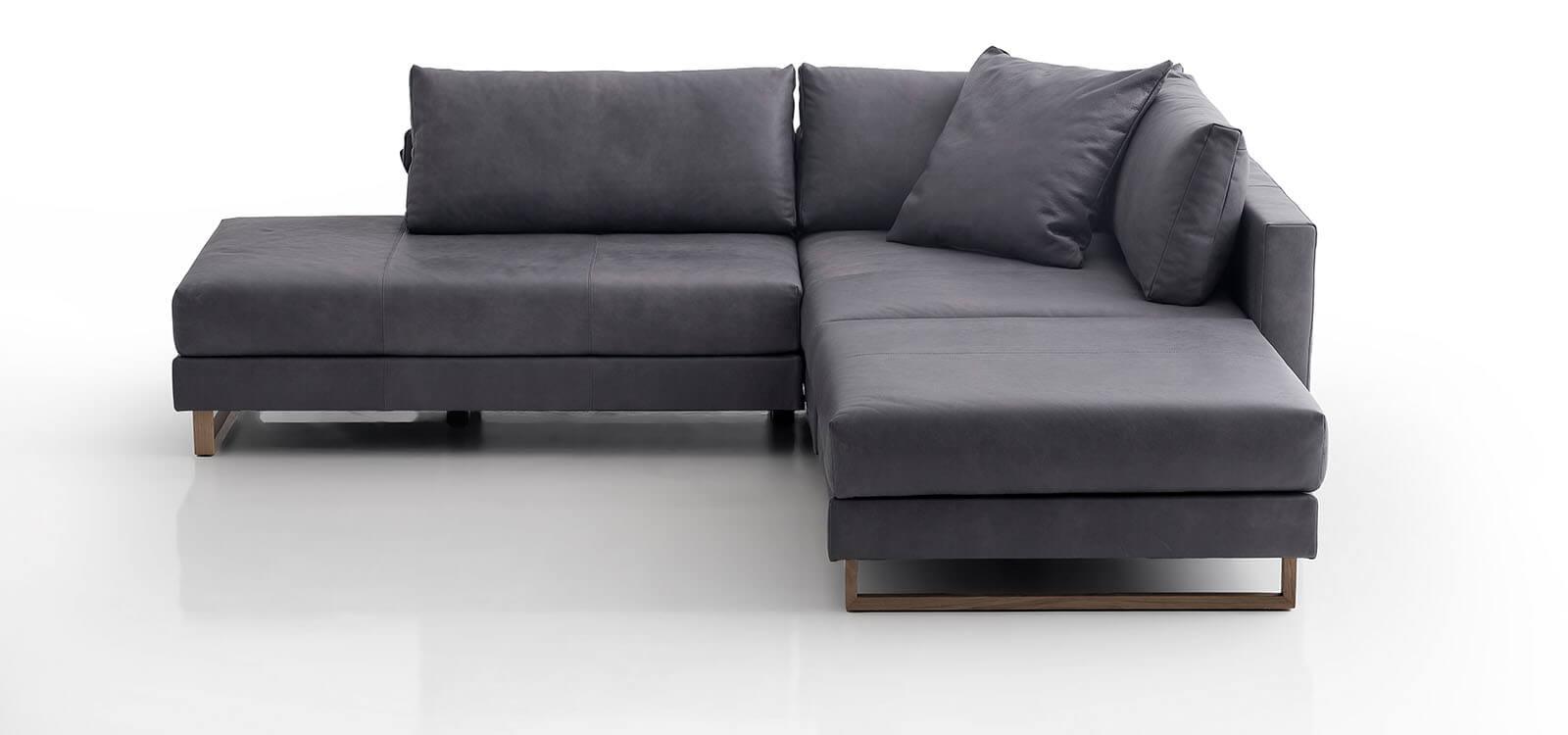 eckgruppe corali mit gro er liegefl che von franz fertig. Black Bedroom Furniture Sets. Home Design Ideas