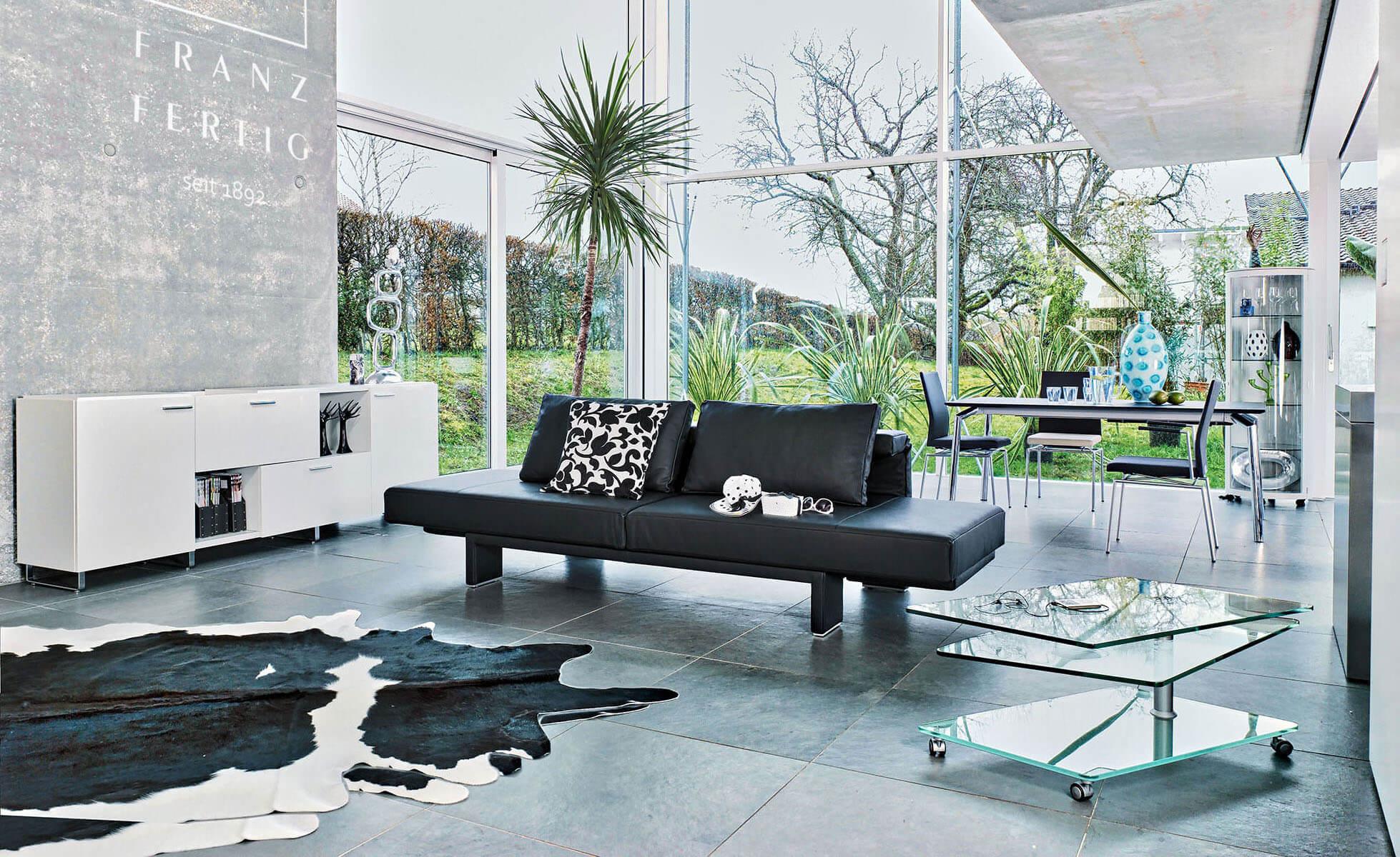 polsterm bel von franz fertig. Black Bedroom Furniture Sets. Home Design Ideas